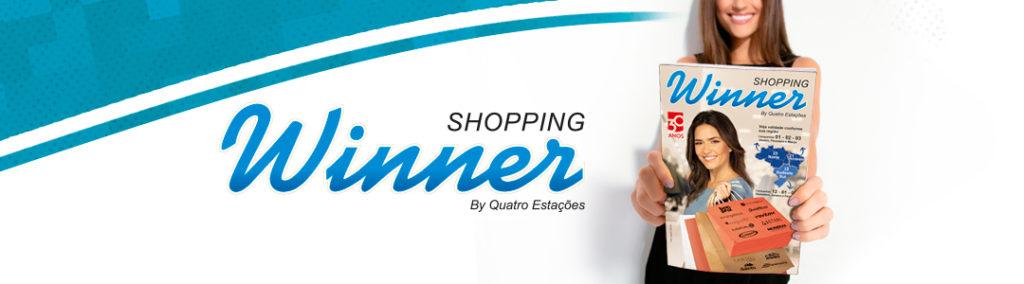 Modelo segurando uma revista Shopping Winner